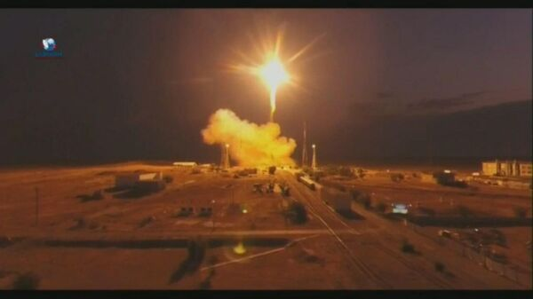 Эффектный старт: ракету Союз с грузовым кораблем запустили к МКС – видео - Sputnik Беларусь