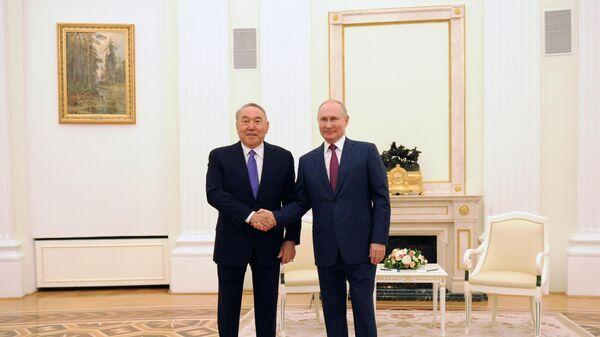 Президент РФ Владимир Путин встретился с первым президентом Казахстана Н. Назарбаевым - Sputnik Беларусь