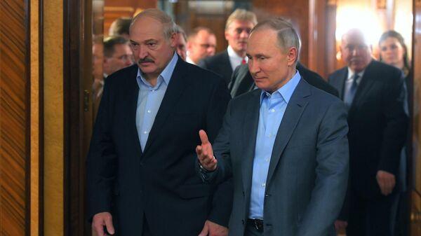 Выступленні Пуціна і Лукашэнкі на Форуме рэгіёнаў - відэа - Sputnik Беларусь