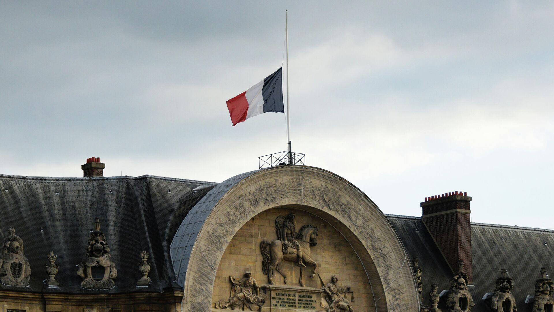 Государственный флаг Франции на Доме инвалидов в Париже - Sputnik Беларусь, 1920, 13.07.2021