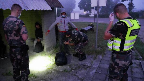 Задержание нелегальных мигрантов в Литве - Sputnik Беларусь