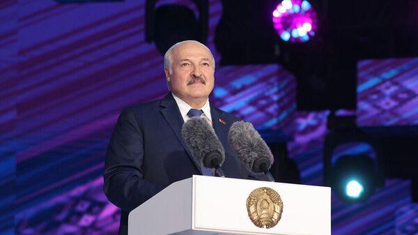 Аляксандр Лукашэнка на адкрыцці Славянскага базару - Sputnik Беларусь