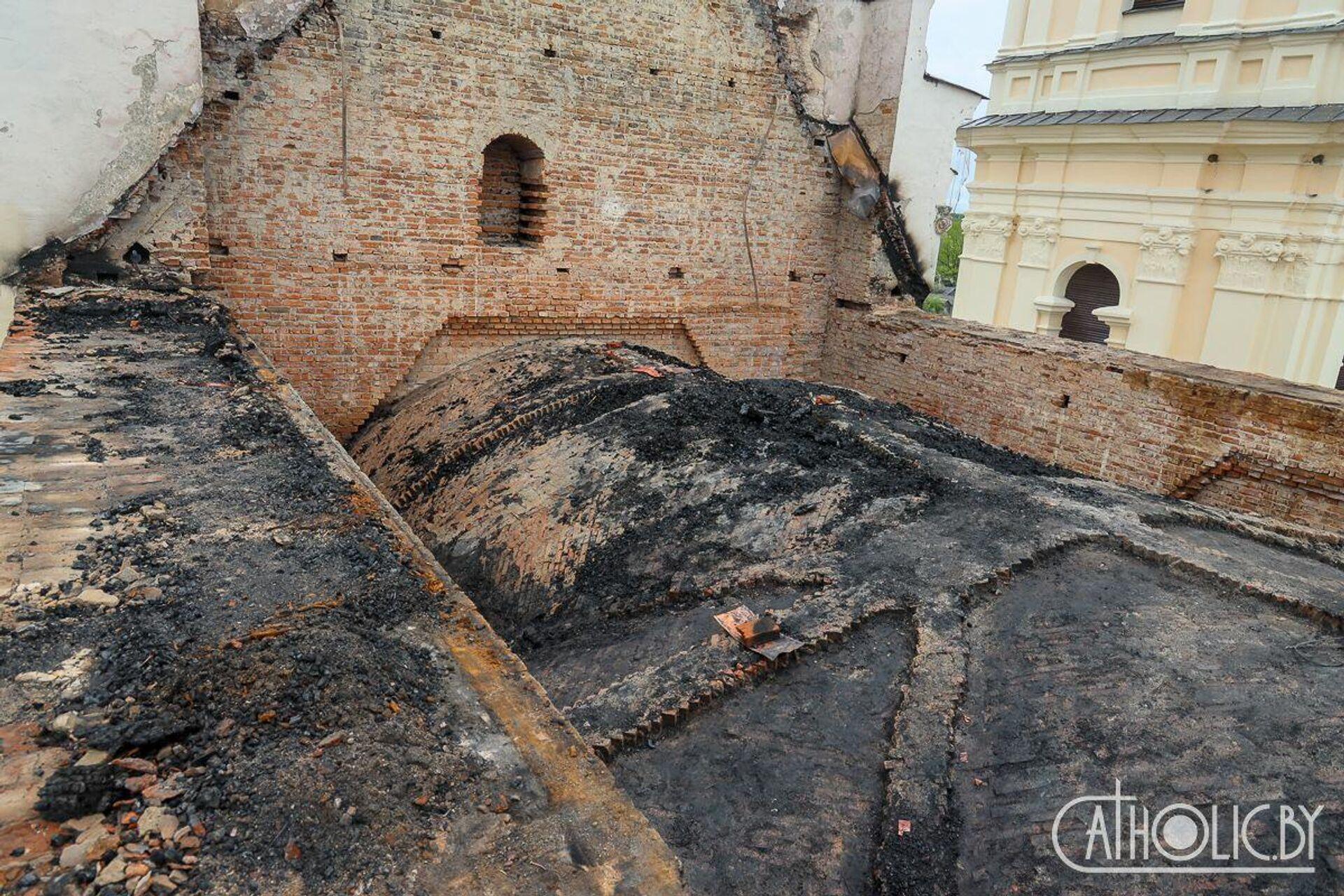 Пожар в Будславском костеле произошел больше двух месяцев назад, 11 мая - Sputnik Беларусь, 1920, 23.07.2021