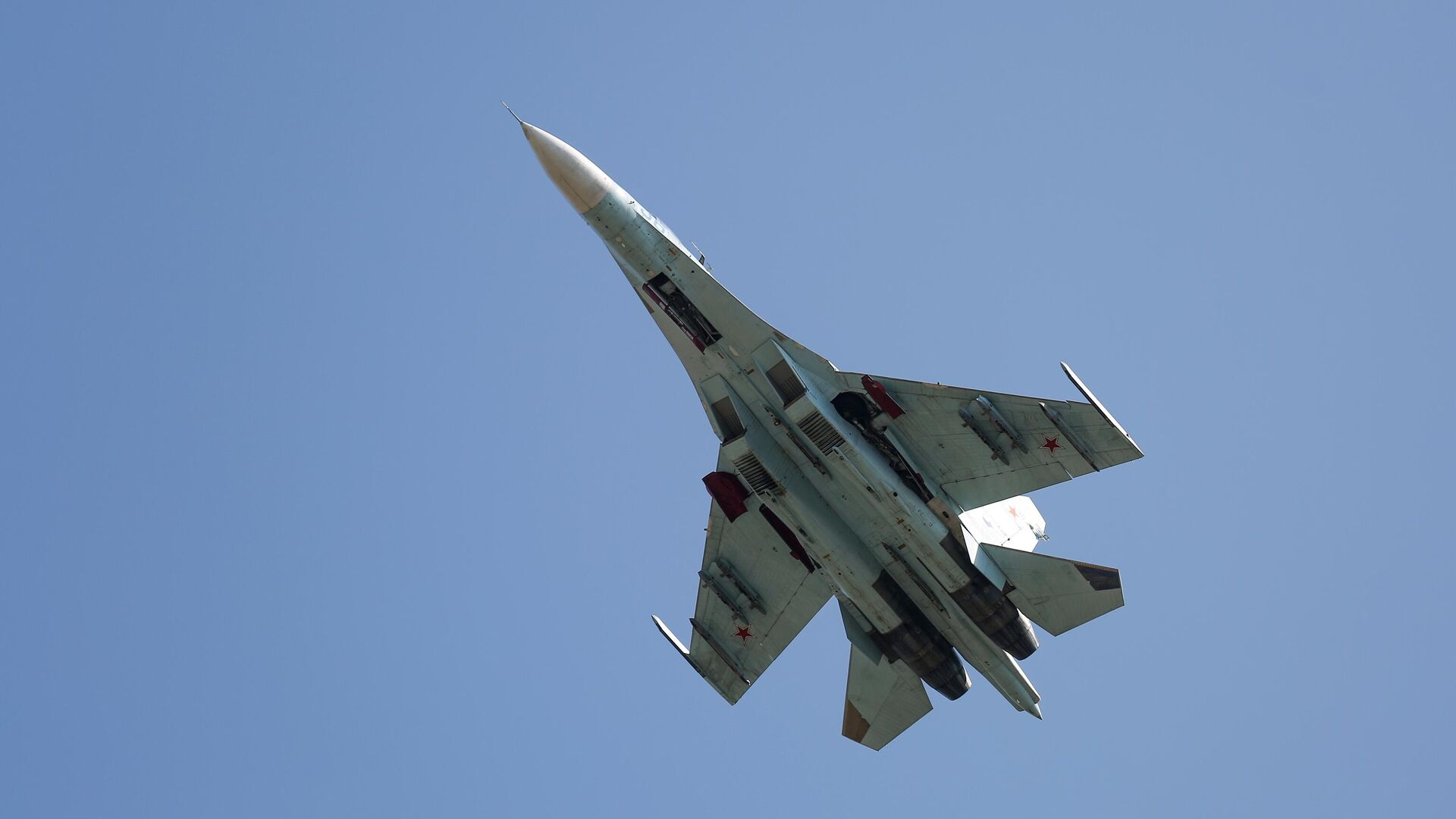 Многоцелевой истребитель Су-27 - Sputnik Беларусь, 1920, 22.07.2021