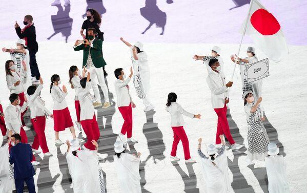 Дэлегацыя зборнай Японіі закрыла парад спартсменаў, усяго ён доўжыўся каля двух гадзін. - Sputnik Беларусь