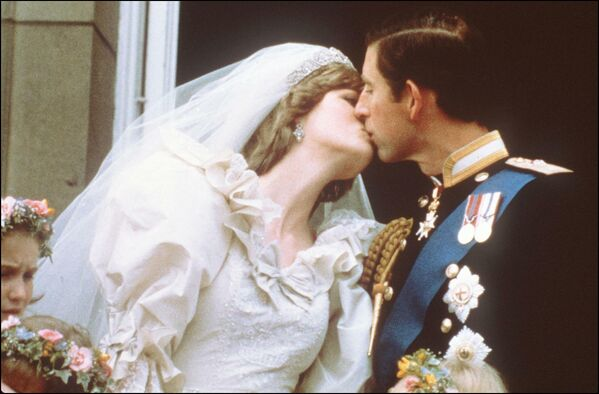 29 ліпеня 1981 года ў саборы Святога Паўла адбылося вяселле прынца Чарльза і Дыяны. - Sputnik Беларусь