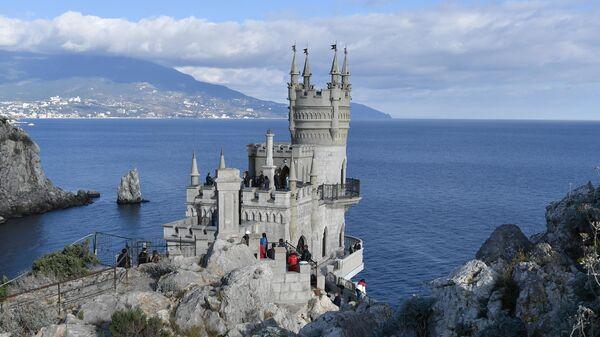 Политолог: опыт Крыма следовало бы изучать, а Украине нужны санитары  - Sputnik Беларусь