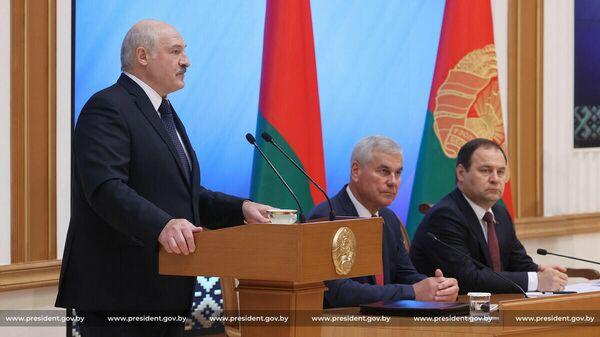 Итоги недели: заявления Лукашенко, визиты Тихановской и мигранты в Литве - Sputnik Беларусь