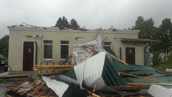 Сорванная крыша здания - Sputnik Беларусь
