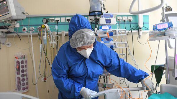 Инфекционист назвал самые серьезные осложнения после прививок от COVID - Sputnik Беларусь