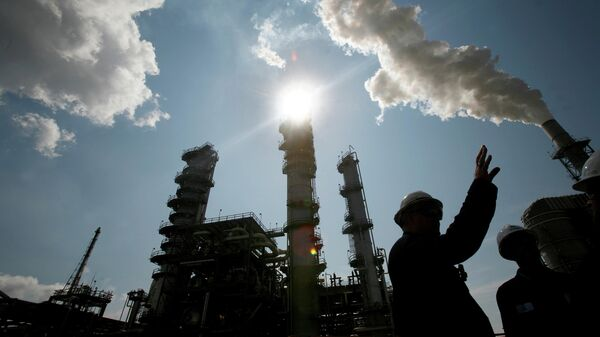 Нефтеперерабатывающий завод Valero St. Charles в Норко, Луизиана - Sputnik Беларусь