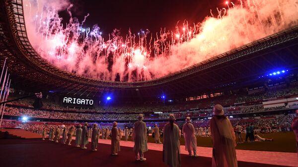 Салют на торжественной церемонии закрытия XXXII летних Олимпийских игр в Токио на Национальном олимпийском стадионе  - Sputnik Беларусь