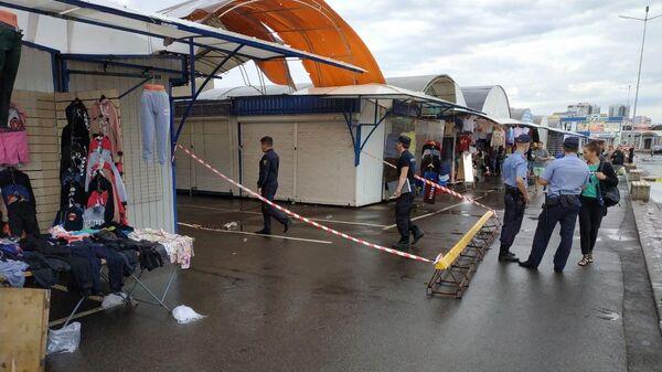 Милиция и СК работают в Ждановичах, где обрушился навес - Sputnik Беларусь