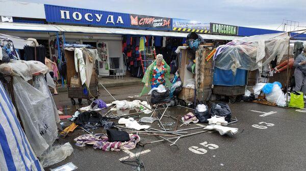 Как рынок Ждановичи пострадал от грозы – видео  - Sputnik Беларусь