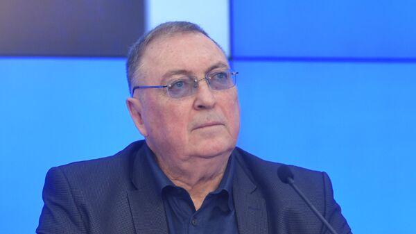 Политолог, писатель, профессор Дмитрий Выдрин - Sputnik Беларусь