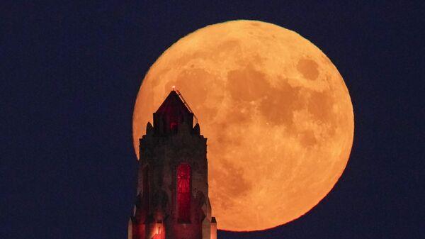 Полнолуние в небе над Канзас-Сити - Sputnik Беларусь