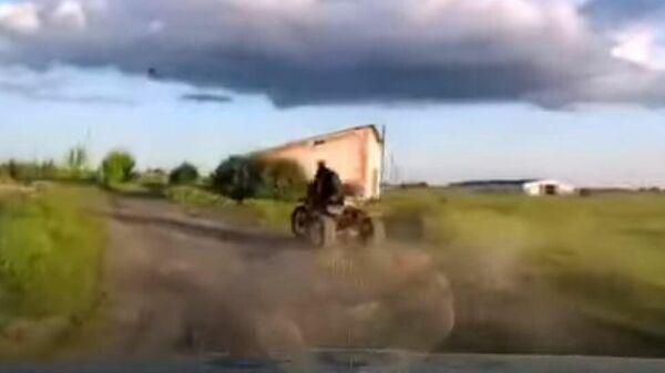 Сельчанин на самодельном трицикле устроил гонки с ГАИ под Могилевом - Sputnik Беларусь