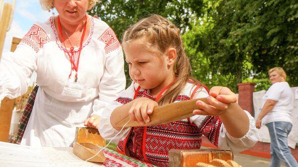 Матчыны кросны - Sputnik Беларусь