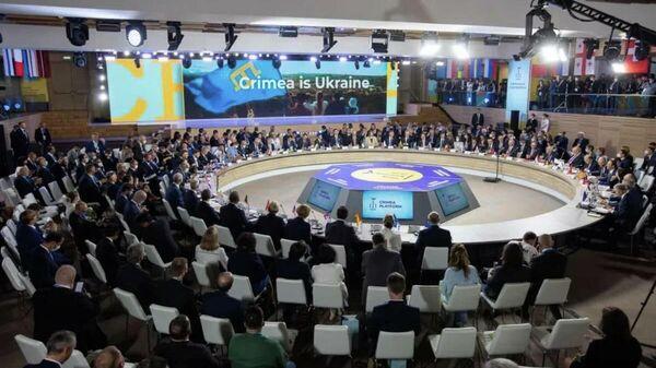 Бессмысленная и бесполезная: политик о декларации Крымской платформы - Sputnik Беларусь