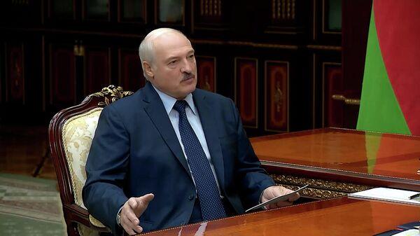 Лукашенко упрекнул западников в контрабанде наркоты – видео  - Sputnik Беларусь