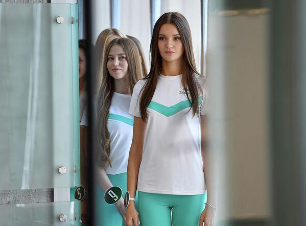 Ужо месяц удзельніцы конкурсу рыхтуюцца да фіналу. - Sputnik Беларусь