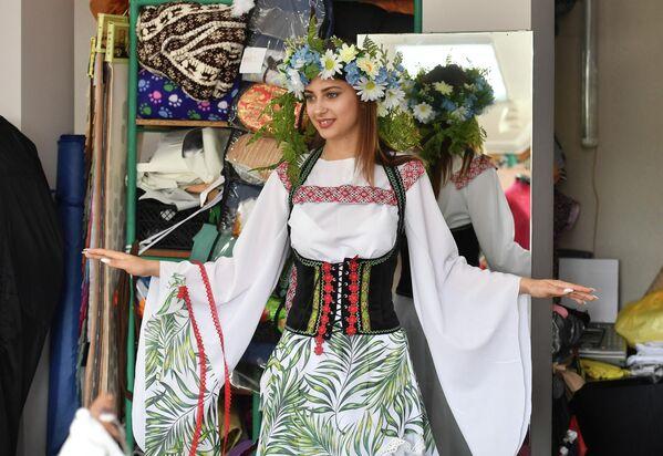 Первая примерка национальных костюмов для финала Мисс Беларусь - Sputnik Беларусь