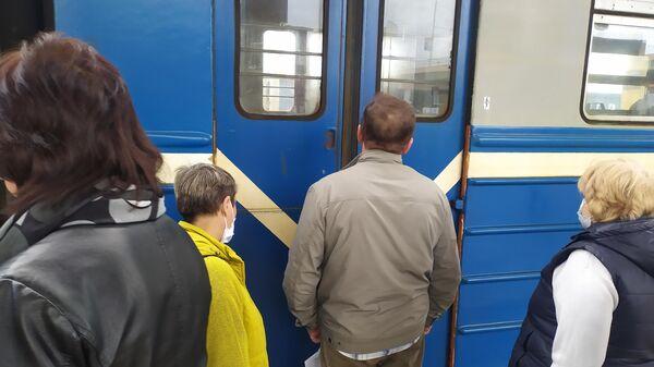 Пассажиры электрички - Sputnik Беларусь