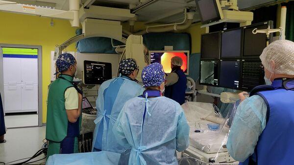 Белорусские детские кардиохирурги внедрили новую операцию для детей с пороком сердца - Sputnik Беларусь