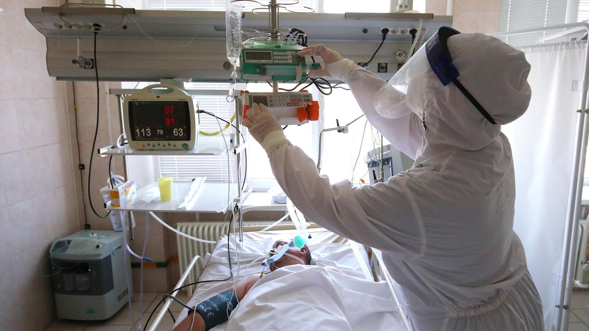 Лечение больных с Covid-19 в больнице скорой помощи в Волгограде - Sputnik Беларусь, 1920, 11.10.2021