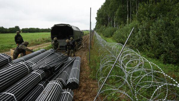 Ставки растут: чего добивается Польша, вводя режим ЧП на границе с Беларусью? - Sputnik Беларусь