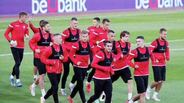 Сборная Беларуси по футболу тренируется в Казани - Sputnik Беларусь
