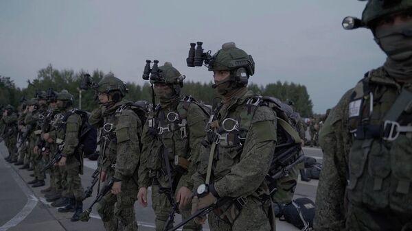 Захад-2021: як падраздзяленні ПДВ дэсантуюцца ноччу – відэа - Sputnik Беларусь