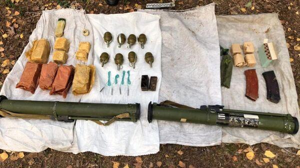 Схрон с боеприпасами нашли сотрудники СБУ у границы с Беларусью - Sputnik Беларусь