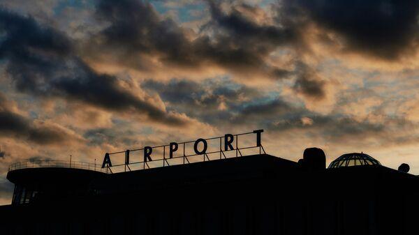 Вывеска на здании терминала международного аэропорта Пулково в Санкт-Петербурге - Sputnik Беларусь
