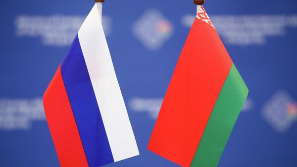 В союзных программах по газу, нефти и электроэнергии есть важный нюанс ― эксперт - Sputnik Беларусь
