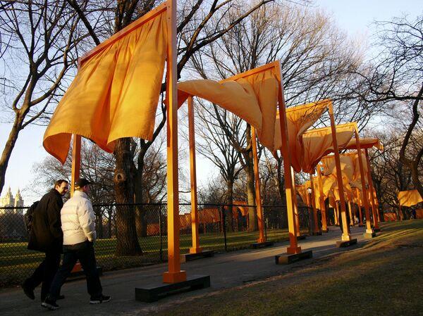 Самый крупный арт-проект в истории Нью-Йорка привлек в Центральный парк более миллиона человек.  - Sputnik Беларусь