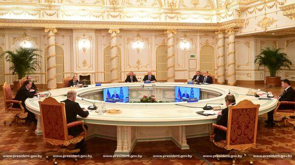 Итоги недели: ускорение интеграции, саммит ОДКБ и День народного единства  - Sputnik Беларусь