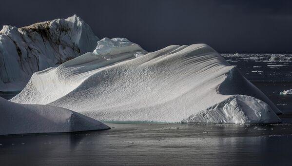 Путь к леднику проходит через гренландские фьорды. - Sputnik Беларусь