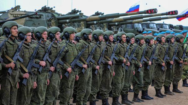 Марш техники и песни Солодухи: закрытие учений Запад в Беларуси– видео - Sputnik Беларусь