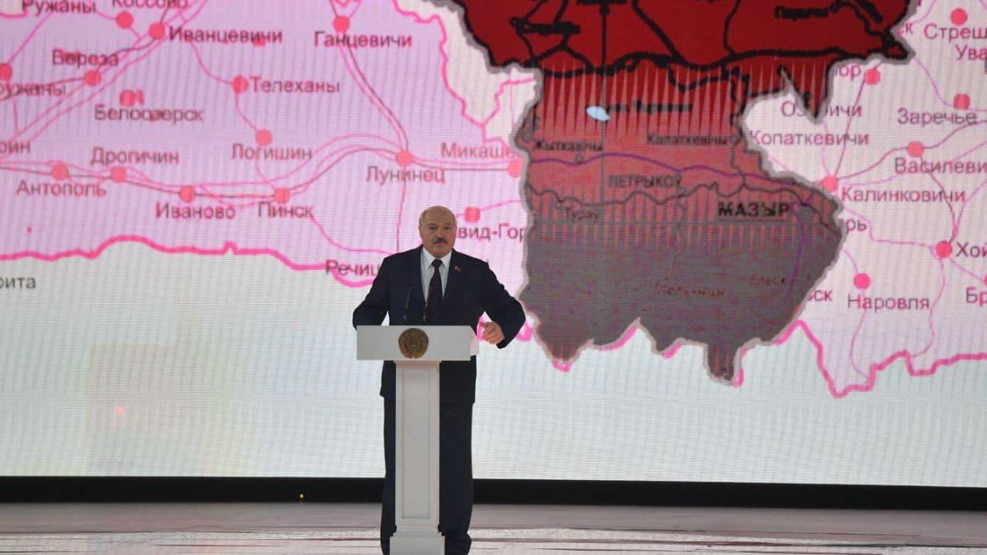 Лукашенко: поляки обиделись, что мы празднуем 17 сентября - Sputnik Беларусь, 1920, 17.09.2021