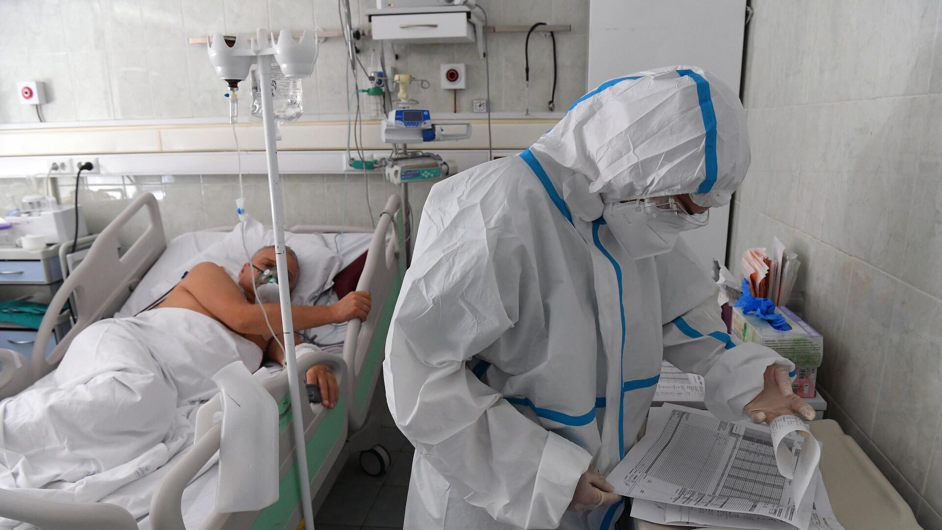 Лечение больных с коронавирусом в Москве в ГКБ №52 - Sputnik Беларусь, 1920, 28.09.2021