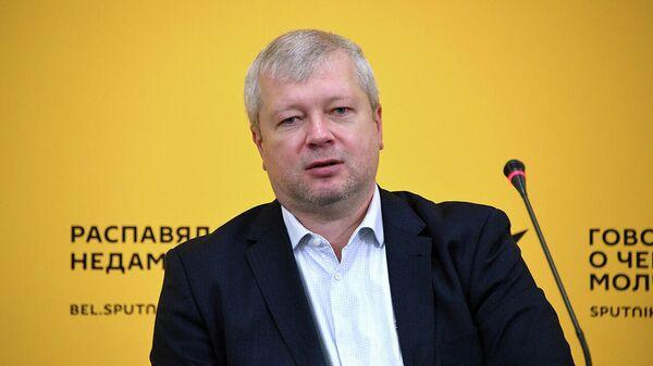 Цены на авиабилеты падают. ЖД-составы могут опустеть? - Sputnik Беларусь