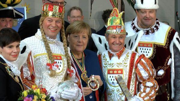 Меркель сыходзіць у адстаўку: успомнім кур'ёзы Жалезнай лэдзі Германіі - відэа - Sputnik Беларусь