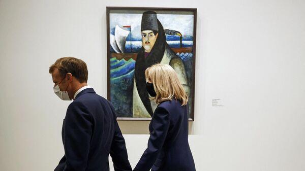Президент Франции Эммануэль Макрон и его жена Брижит - Sputnik Беларусь