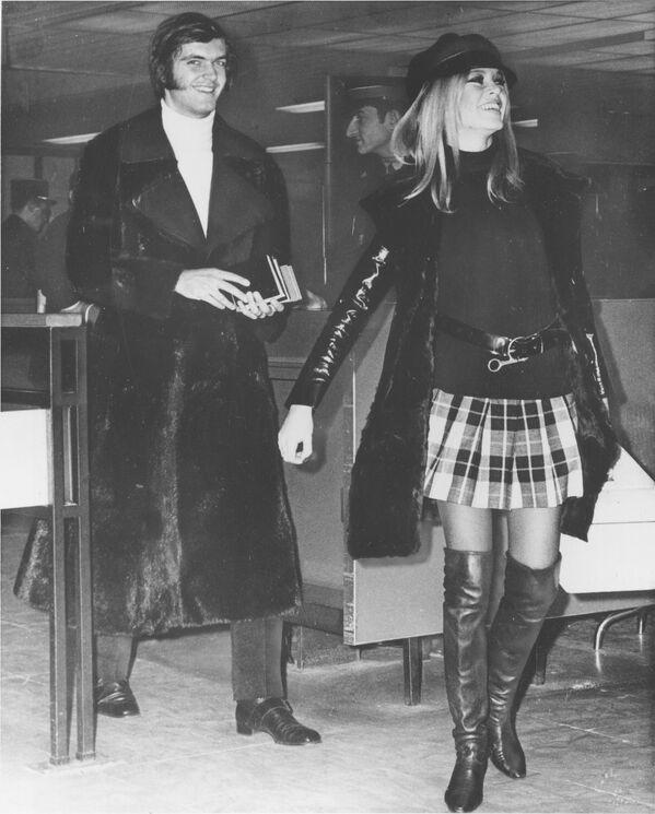 Бардо крутила многочисленные романы. Она четыре раза была замужем. В конце 1960-х и в начале 1970-х годов у нее были отношения с двадцатилетним студентом-политологом Патриком Жилем. - Sputnik Беларусь