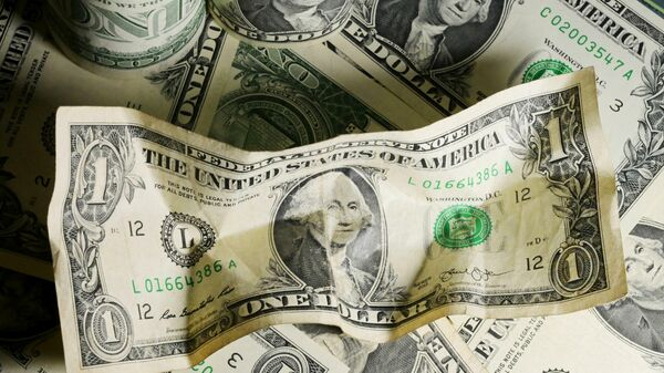 Все из-за доллара: экономист объяснил рост цен и предупредил, чего ждать - Sputnik Беларусь