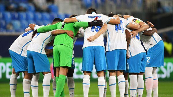 Игроки ФК Зенит перед началом матча против Мальме - Sputnik Беларусь