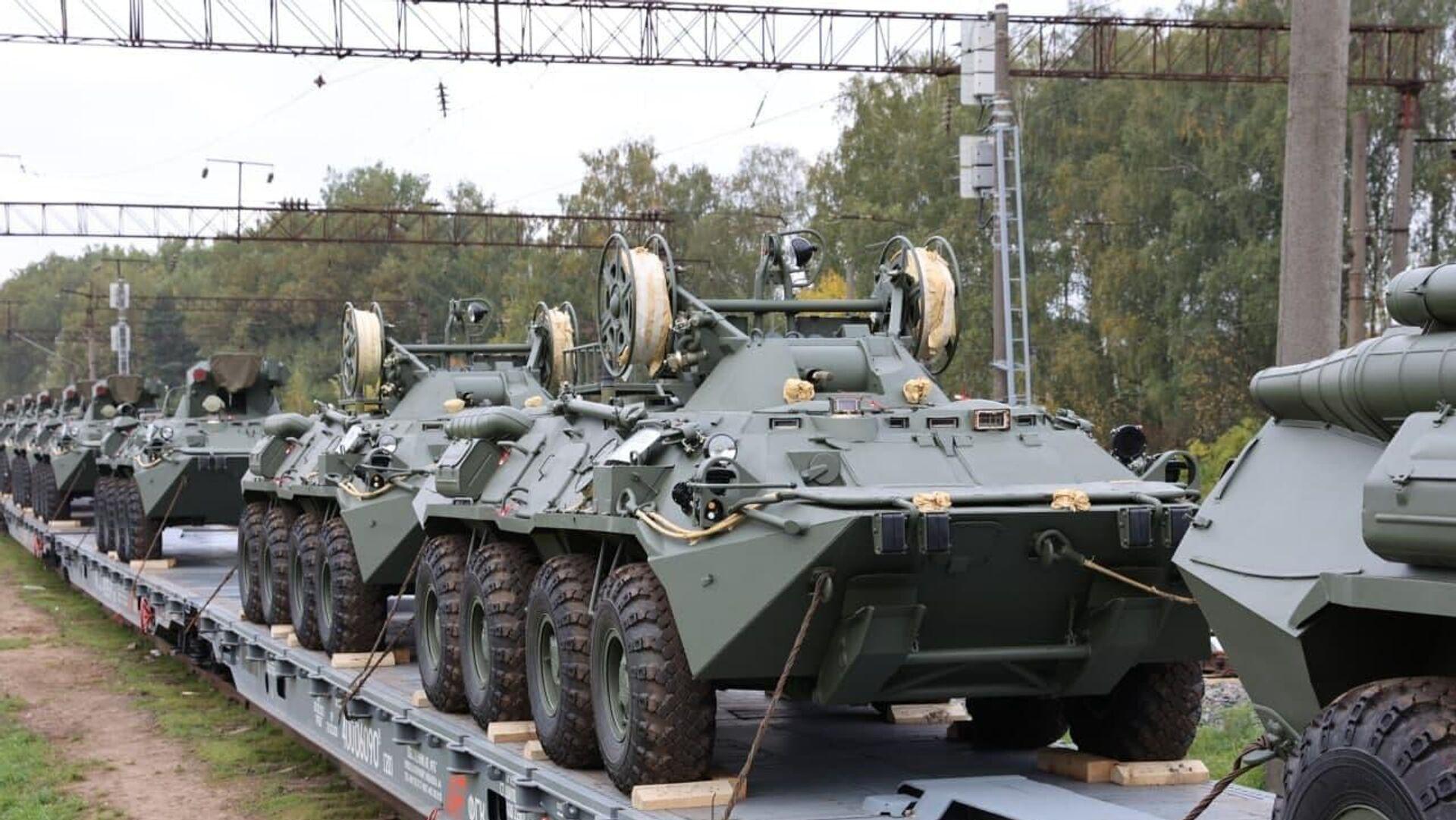 Беларусь получила первую партию БТР-82А из России - Sputnik Беларусь, 1920, 30.09.2021