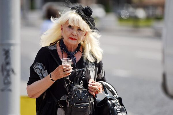 Модной и яркой можно быть и в пожилом возрасте. - Sputnik Беларусь