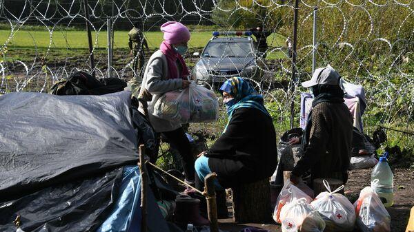 Лагерь мигрантов на белорусско-польской границе - Sputnik Беларусь